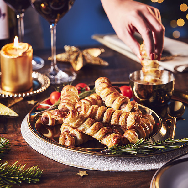 J12277 Costcutter Christmas Halloween_Pigs in Blankets